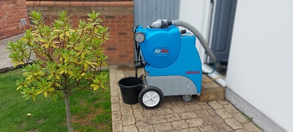 Powerful carpet cleaning machines for cleaning carpets in Woodlands
